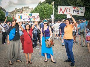 800px-2017.07.26_Protest_Trans_Military_Ban,_White_House,_Washington_DC_USA_7631_(36056741091)
